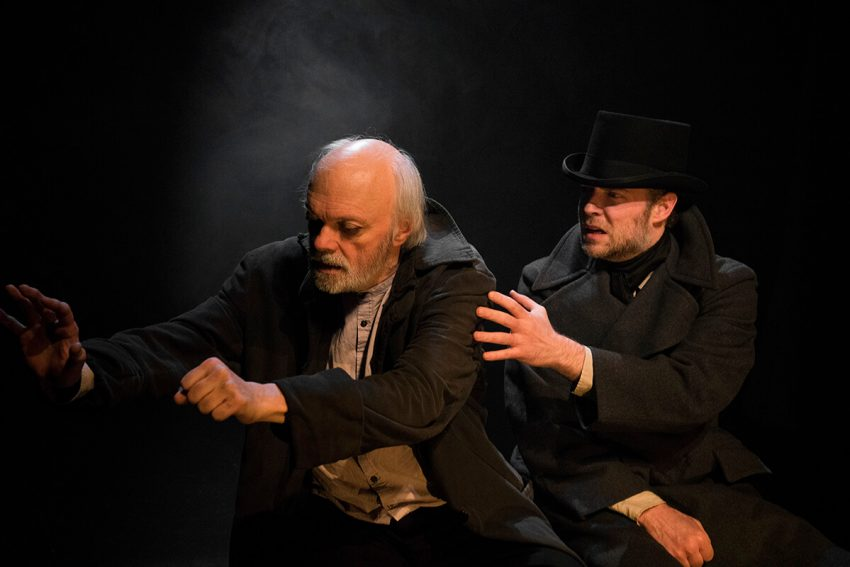 Les Misérables - Dean Gilmour (Jean Valjean), Mac Fyfe (Javert) - photo by Elisa Gilmour (1)