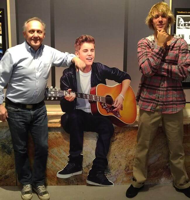 Justin-bieber-exhibit-with-cut-out
